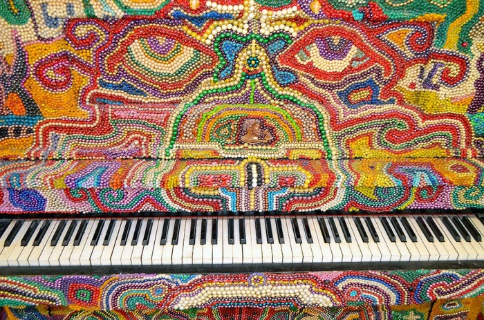 lawson-piano-detail